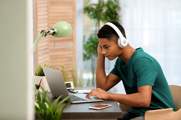 Students of all ages love listening to tunes while studying. Research shows that listening to music while studying can affect learning.